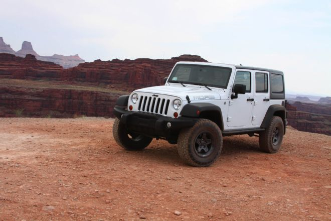 Click image for larger version  Name:001-jeep-jk-wrangler-aev-2.5-inch-suspension-system-installation-lead.jpg Views:67 Size:45.2 KB ID:4084943