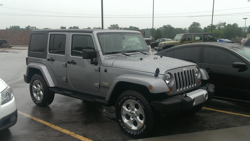 Click image for larger version  Name:2013 Jeep Wrangler Unlimited Sahara.jpg Views:35 Size:179.5 KB ID:279276