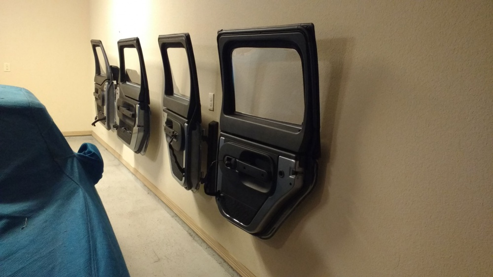 Diy jeep door hangers best diy do it your self for Garage jeep nimes