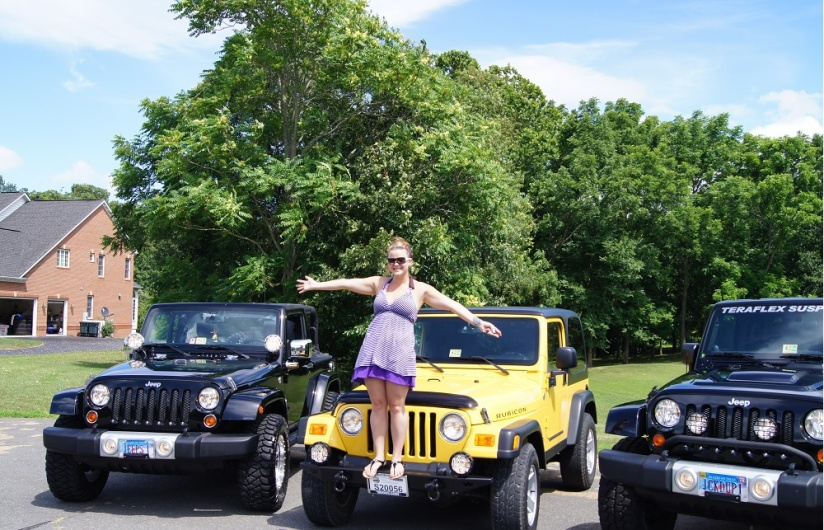 Click image for larger version  Name:Amanda Standing On Her Jeep.jpg Views:80 Size:235.9 KB ID:270008