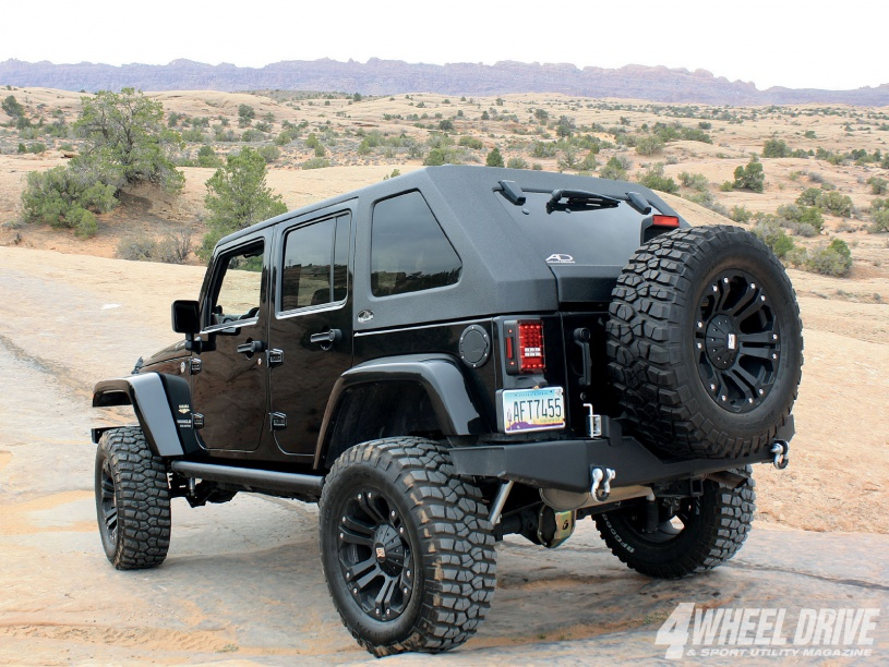 Click image for larger version  Name:Angled Jeep Hardtop.jpg Views:190 Size:228.3 KB ID:1626426