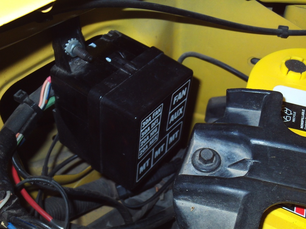 Click image for larger version  Name:Aux Fuse Block.jpg Views:63 Size:213.2 KB ID:3773449