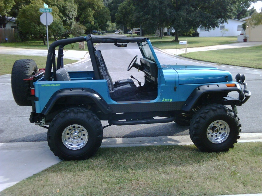 Click image for larger version  Name:Blue Jeep 1.jpg Views:60 Size:229.9 KB ID:27539