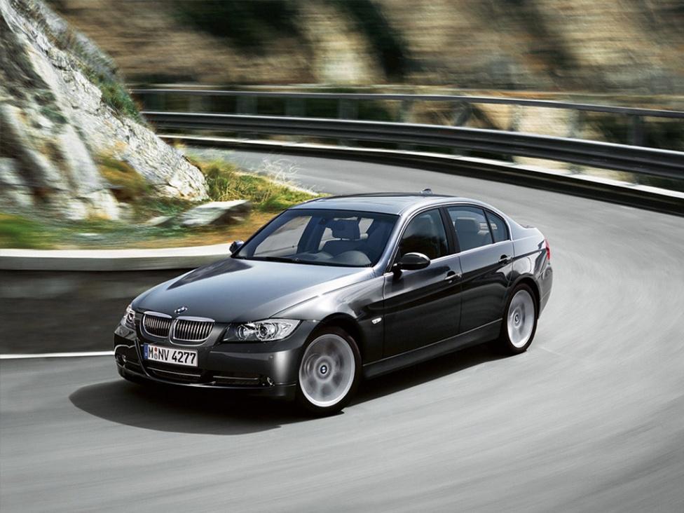 Click image for larger version  Name:BMW_760Li,_Luxury_Sedan.jpg Views:81 Size:221.8 KB ID:17385