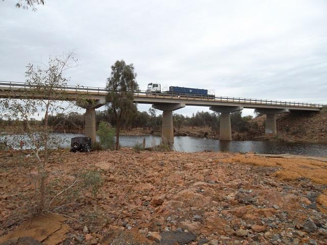 Click image for larger version  Name:bridge 2.JPG Views:179 Size:158.5 KB ID:119862