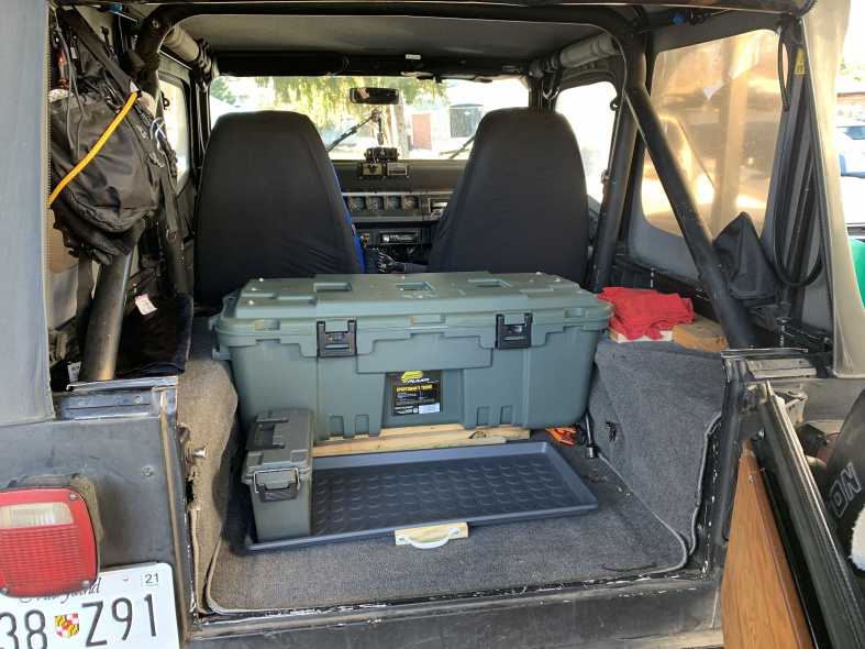 Click image for larger version  Name:cargo box.jpg Views:12 Size:236.3 KB ID:4194807