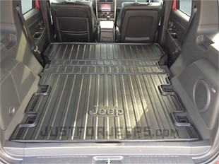 Cargo Tray That Covers Folded Down 2nd Row Seat Backs