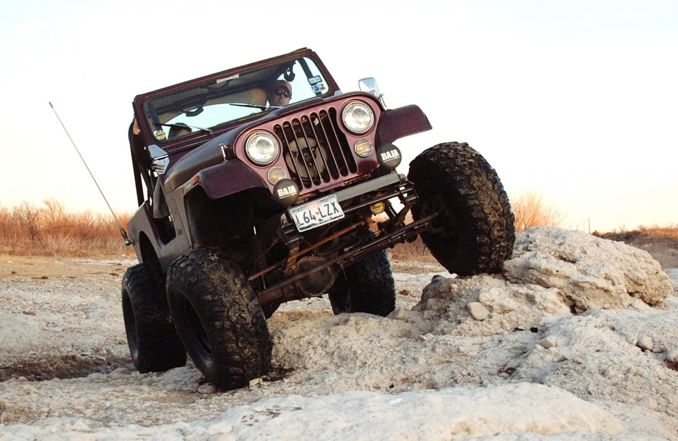 Click image for larger version  Name:Christmas and jeep 004.jpg Views:92 Size:220.9 KB ID:99892