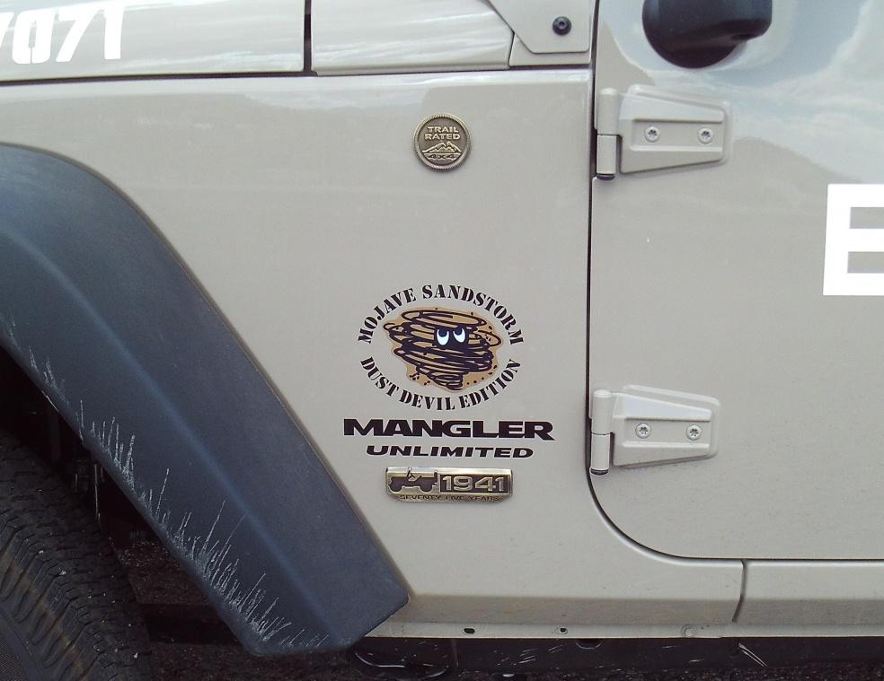 Click image for larger version  Name:Decal Wrangler Mangler 2.jpg Views:143 Size:219.3 KB ID:3801866