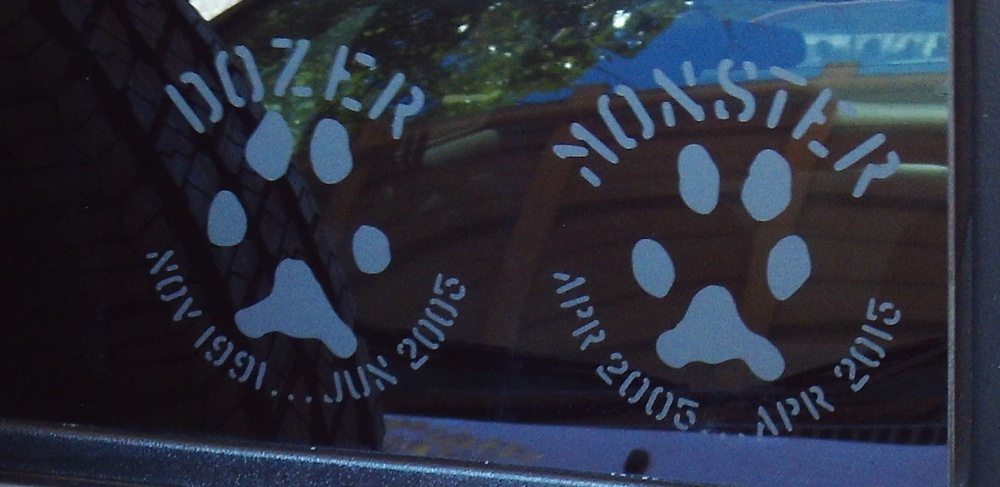 Click image for larger version  Name:Decal Wrangler Paw Prints.jpg Views:127 Size:147.8 KB ID:3802250