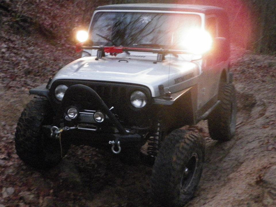 Click image for larger version  Name:devins jeep.jpg Views:104 Size:94.7 KB ID:182022