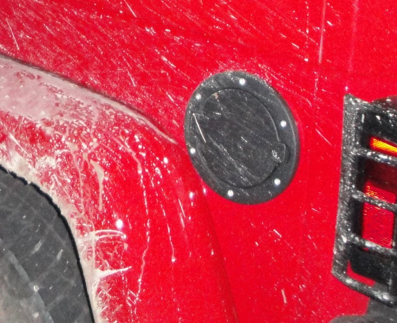 Click image for larger version  Name:Dirty Fuel Door.jpg Views:203 Size:243.2 KB ID:530378