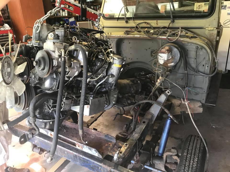 Click image for larger version  Name:drive train going in.jpg Views:122 Size:112.0 KB ID:4083027