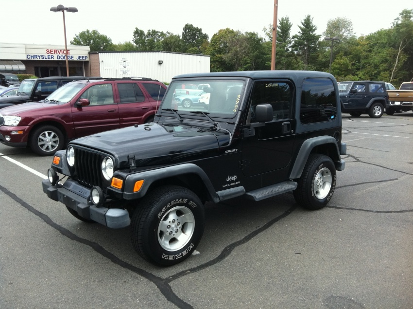 Click image for larger version  Name:Eileens Jeep.jpg Views:64 Size:225.1 KB ID:70356
