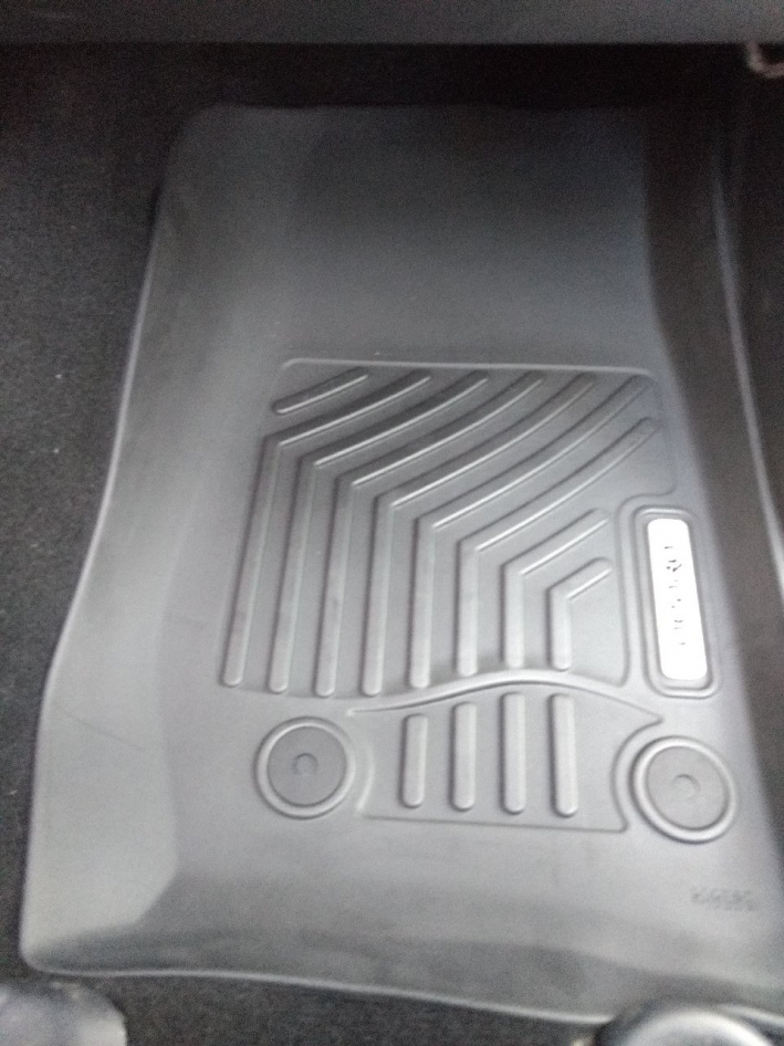 Click image for larger version  Name:floormats4.jpg Views:26 Size:221.6 KB ID:4152899