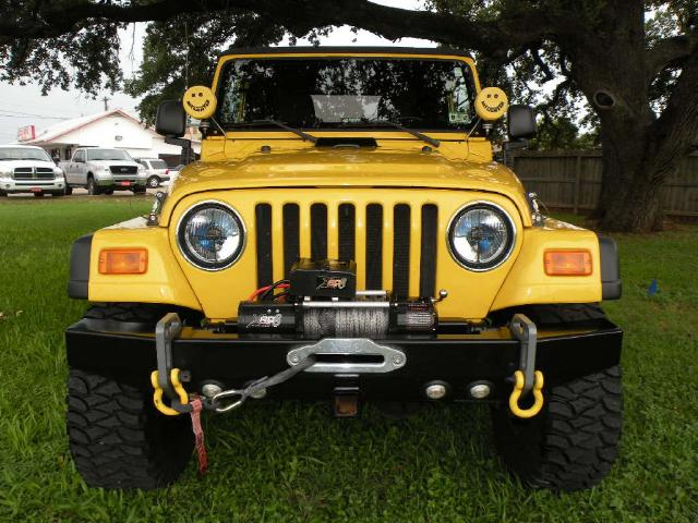 Click image for larger version  Name:front bumper 2.jpg Views:38 Size:70.9 KB ID:137920