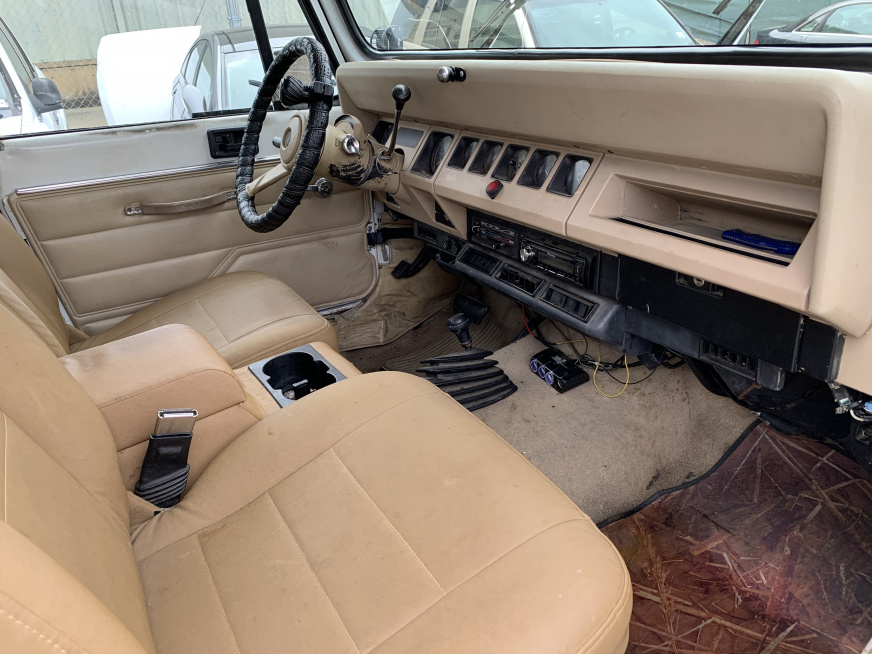 Click image for larger version  Name:Front Seats and Dash.jpg Views:72 Size:227.6 KB ID:4134667