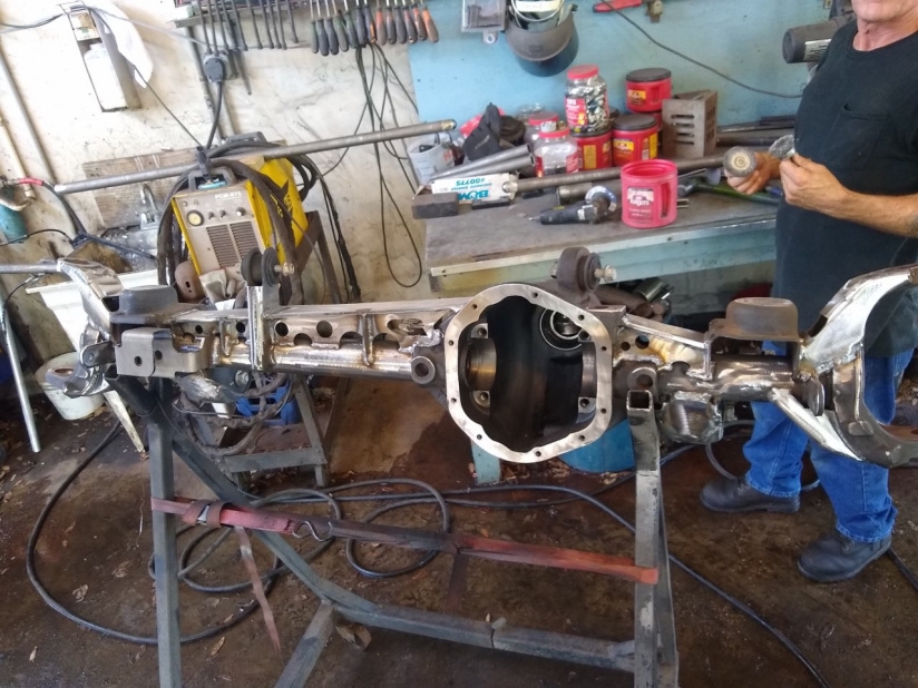 Click image for larger version  Name:Front truss ready for paint.jpg Views:50 Size:242.1 KB ID:4156933