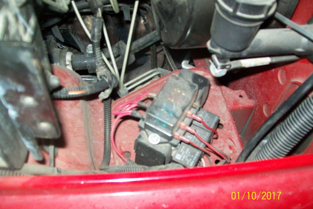 Click image for larger version  Name:Fuse and relay set up for lights in engine bay.jpg Views:73 Size:219.9 KB ID:3405018