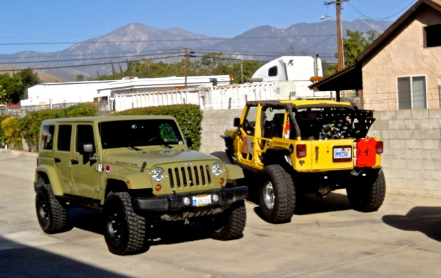 Click image for larger version  Name:Gunner and Yella.jpg Views:91 Size:92.6 KB ID:407513