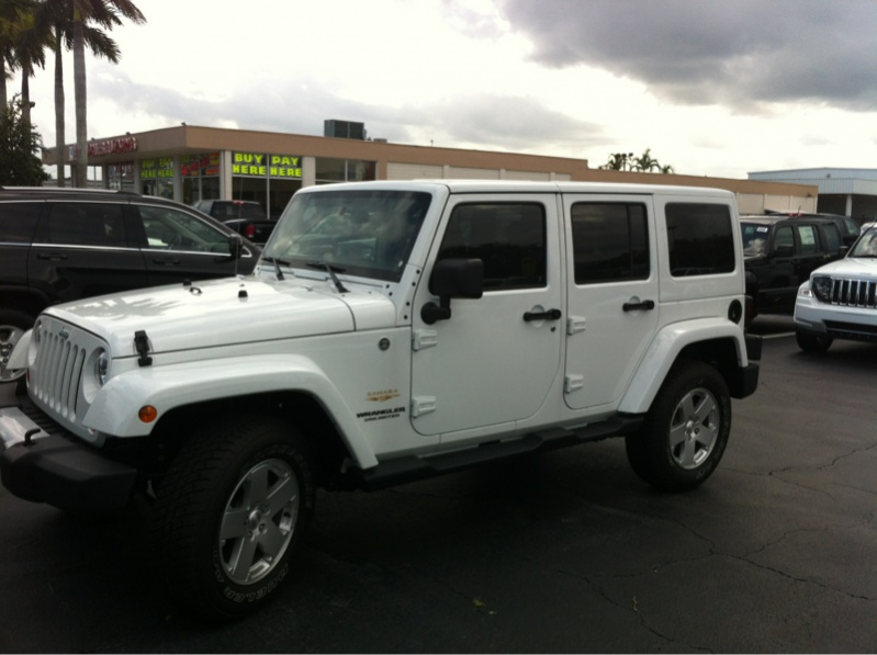 White Sahara S Jeep Wrangler Forum