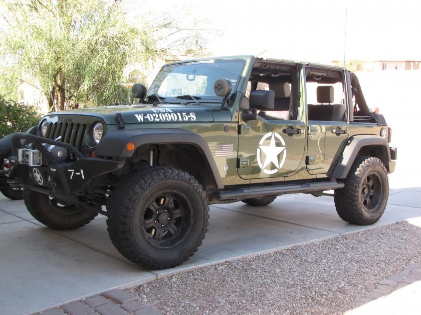 Sell used 2004 jeep wrangler x 5 speed 4x4 willys u. S. Army.