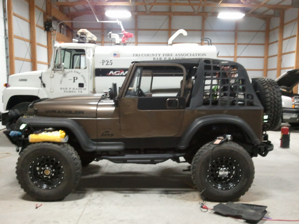 Click image for larger version  Name:jeep 052.jpg Views:360 Size:209.3 KB ID:86137