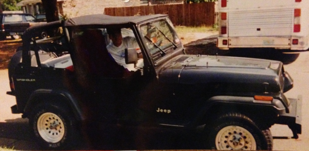 Click image for larger version  Name:Jeep 1993.jpg Views:35 Size:143.8 KB ID:336465