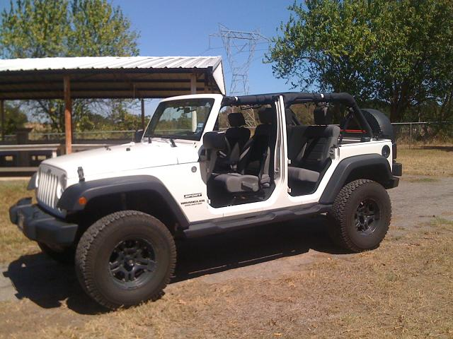 Click image for larger version  Name:Jeep-3.jpg Views:202 Size:75.4 KB ID:69028