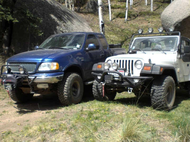 Click image for larger version  Name:jeep and truck.jpg Views:110 Size:113.1 KB ID:4034242