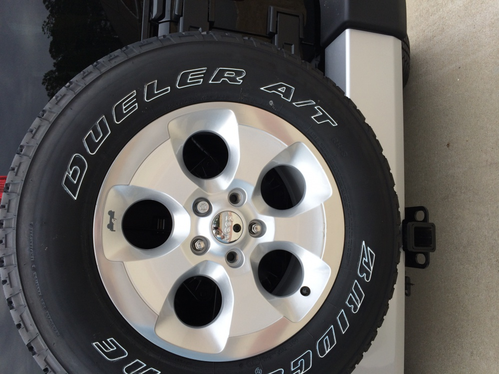 Click image for larger version  Name:Jeep Backup Cam Tire2.jpg Views:446 Size:220.4 KB ID:876753