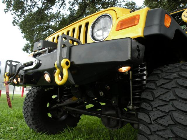 Click image for larger version  Name:jeep bumper.jpg Views:41 Size:61.2 KB ID:137919