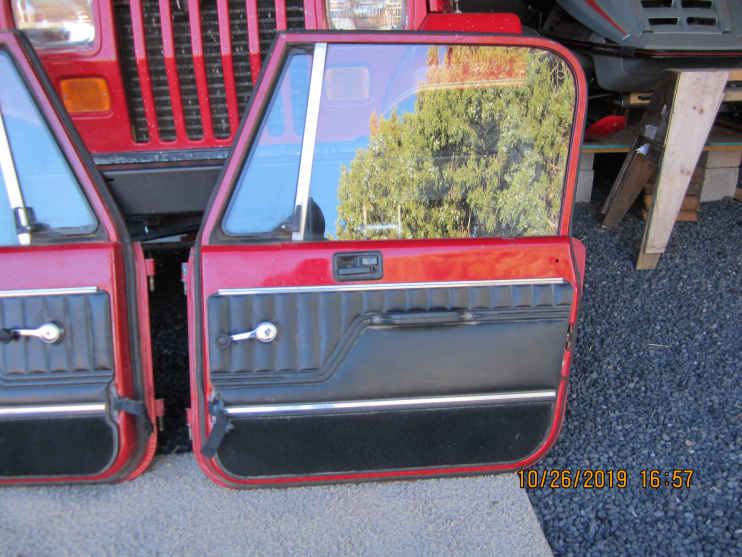 Click image for larger version  Name:jeep doors 001.jpg Views:3 Size:242.4 KB ID:4183209