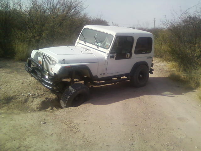 Click image for larger version  Name:Jeep flexing4.jpg Views:309 Size:157.7 KB ID:435137