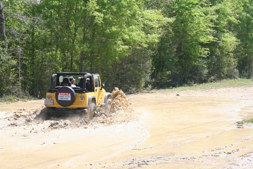 Click image for larger version  Name:jeep in mud.jpg Views:165 Size:165.9 KB ID:108384
