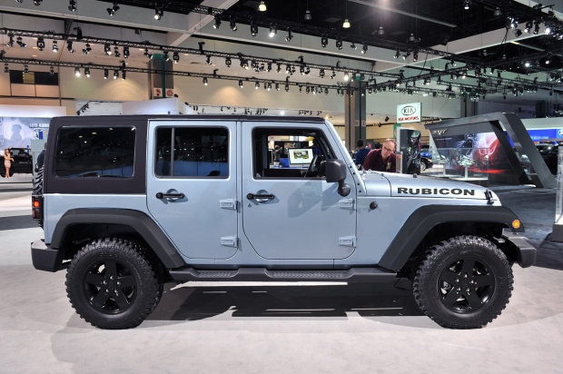 Click image for larger version  Name:Jeep in Winter Chill Rubi.jpg Views:234 Size:134.1 KB ID:97110