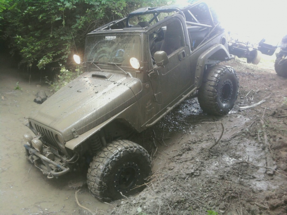 Click image for larger version  Name:jeep jam1.jpg Views:90 Size:225.3 KB ID:24097