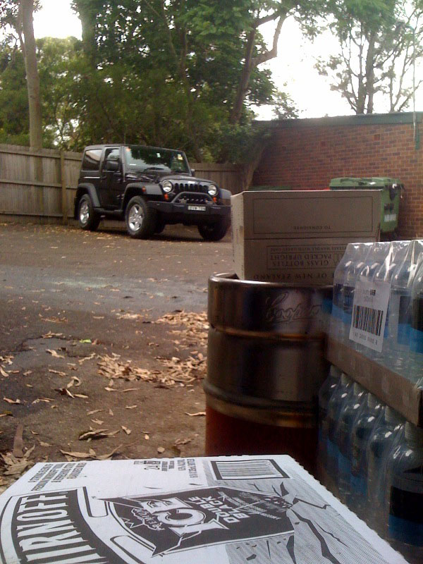 Click image for larger version  Name:jeep.jpg Views:120 Size:159.0 KB ID:44352