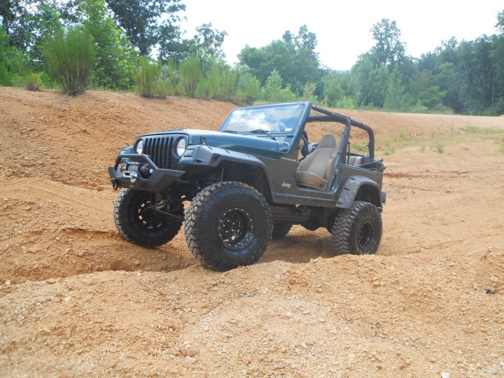 Click image for larger version  Name:Jeep LH 3.jpg Views:228 Size:112.6 KB ID:98784
