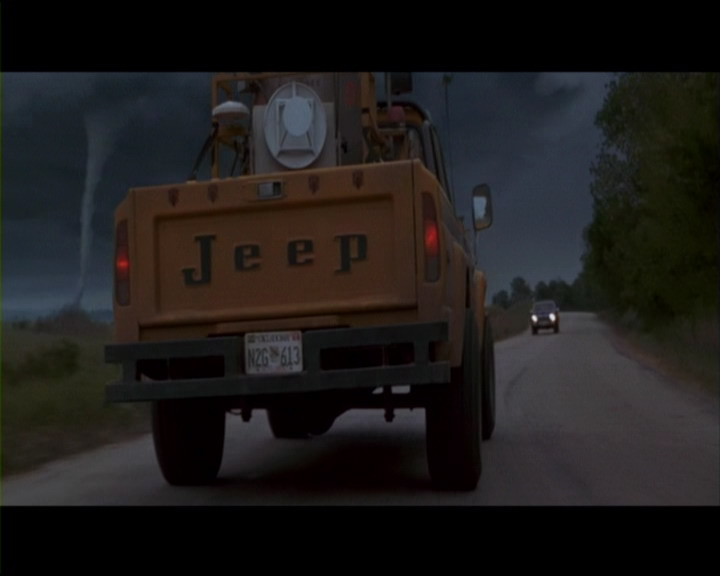 Click image for larger version  Name:jeep movie - twister (2).jpg Views:312 Size:41.0 KB ID:200926