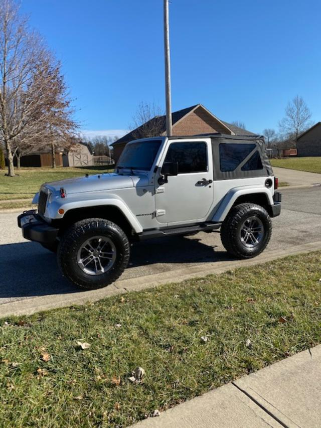 Click image for larger version  Name:jeep n ew.jpg Views:14 Size:97.0 KB ID:4194523