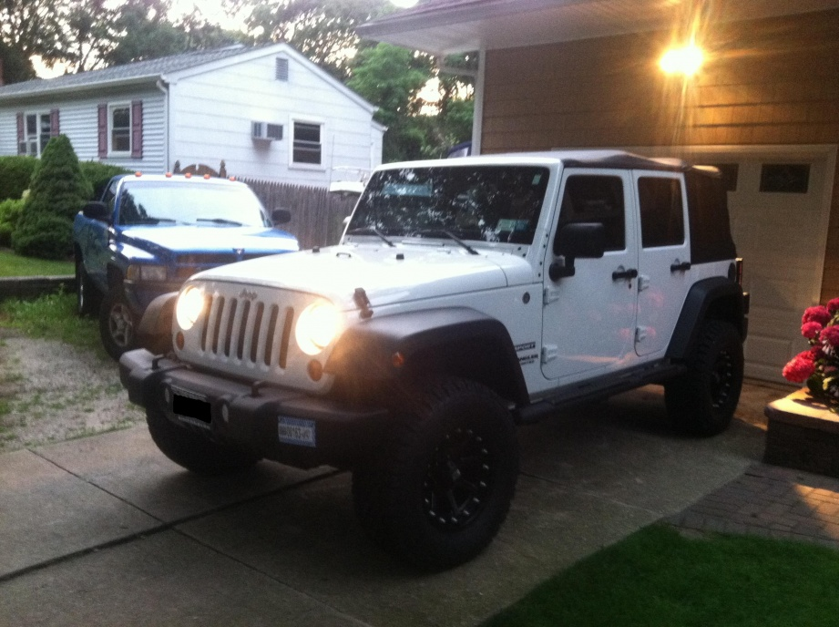 Click image for larger version  Name:jeep no plate.jpg Views:538 Size:220.3 KB ID:137744