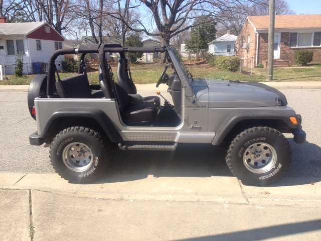Click image for larger version  Name:jeep no top  first time.jpg Views:71 Size:151.8 KB ID:226432