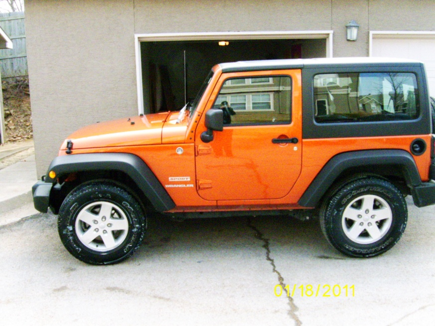 Click image for larger version  Name:jeep pic 1.jpg Views:231 Size:226.5 KB ID:35597