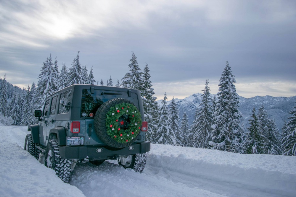 Click image for larger version  Name:jeep snow.jpg Views:99 Size:218.1 KB ID:3874225