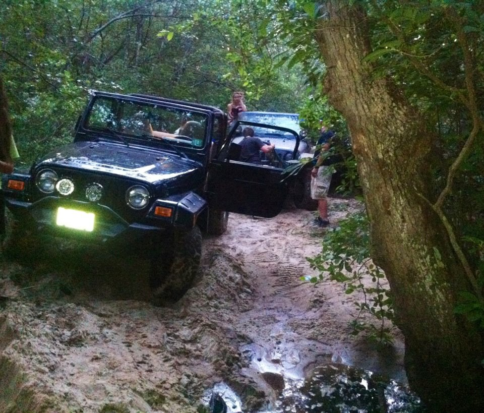 Click image for larger version  Name:Jeep stuck.jpg Views:37 Size:198.1 KB ID:139863