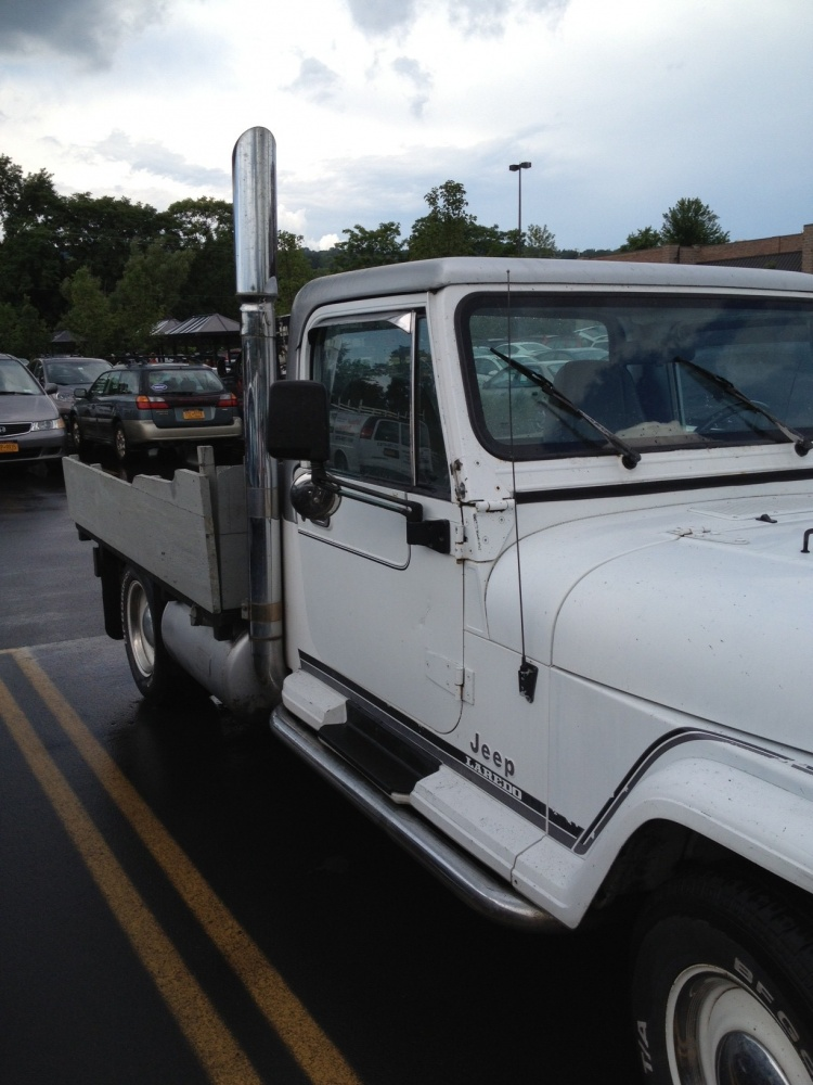 Click image for larger version  Name:jeep truck 3.jpg Views:218 Size:204.4 KB ID:280834