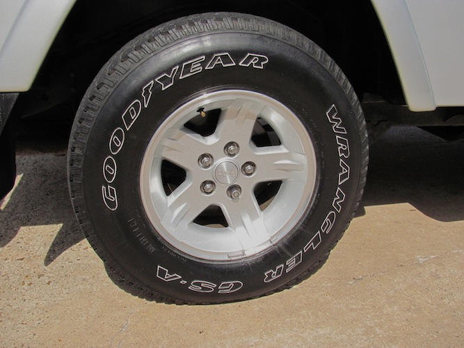 Click image for larger version  Name:jeep-wheel.jpg Views:73 Size:102.5 KB ID:89592
