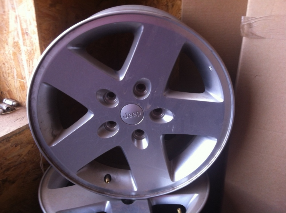 Click image for larger version  Name:jeep wheels.jpg Views:41 Size:176.4 KB ID:113299