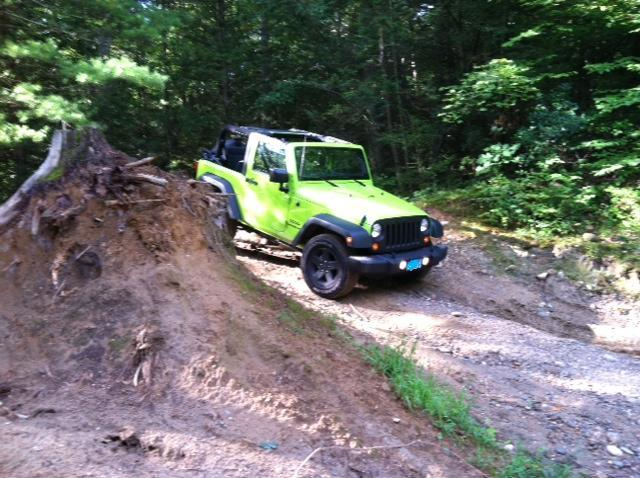 Click image for larger version  Name:Jeep3.jpg Views:83 Size:70.9 KB ID:152220
